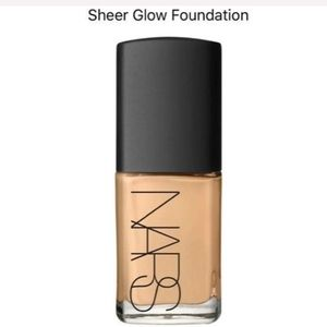 NARS Sheer glow foundation in Barcelona